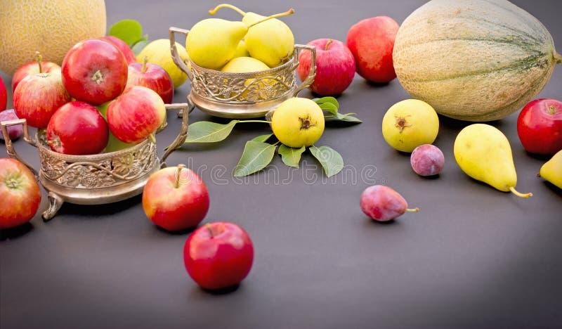 Seizoengebonden verse organische vruchten royalty-vrije stock afbeelding