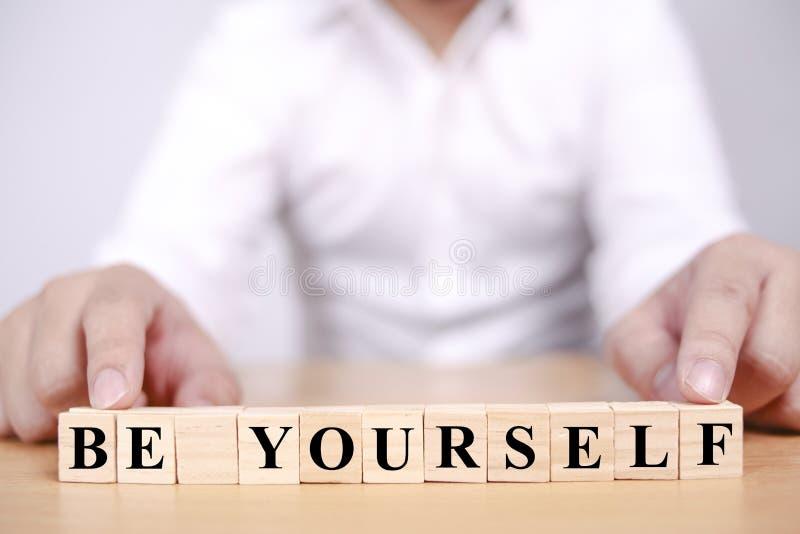 Seja Você Mesmo, Palavras De Negócios Motivacionais Cita O Conceito fotografia de stock