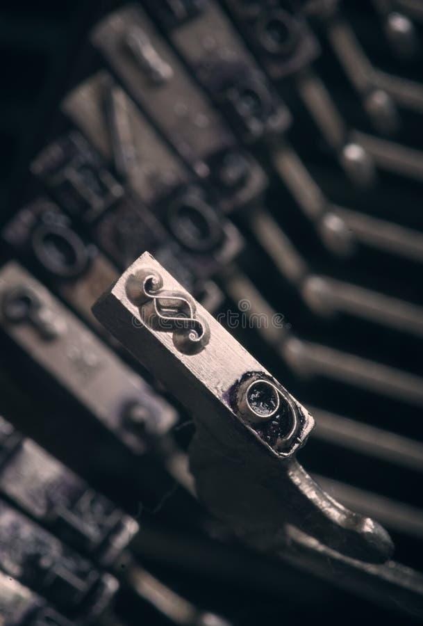 Sekcja znak od starej maszyny do pisania - sprawiedliwości pojęcie zdjęcie royalty free
