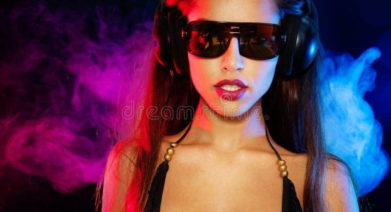 Seksowna brunetka dj fotografia stock