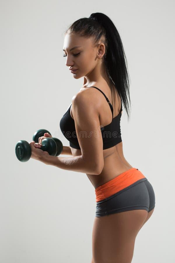 Seksowna sportowa kobieta z długie włosy plecy zdjęcia royalty free