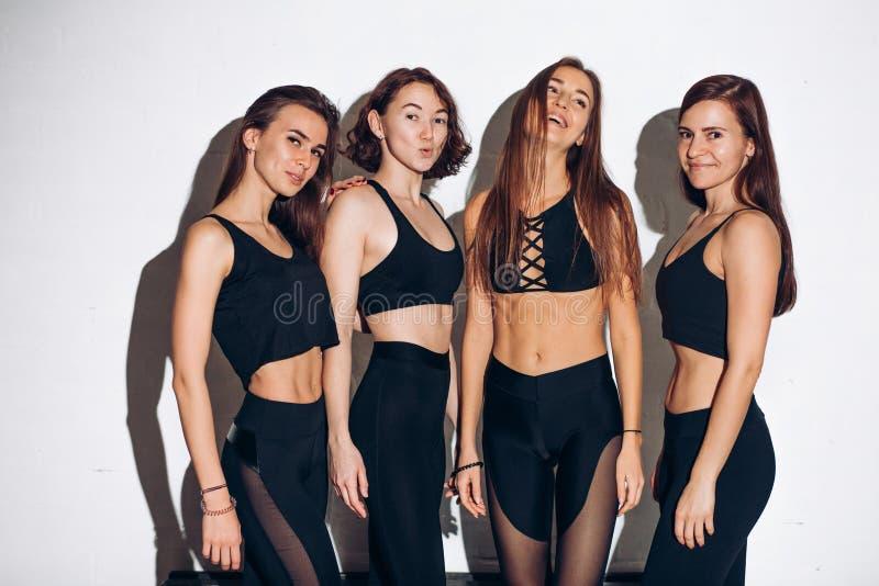 Seksowne dziewczyny z doskonalić ciałem zdjęcie royalty free