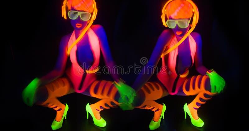 Seksowny neonowy ultrafioletowy jarzeniowy tancerz fotografia royalty free