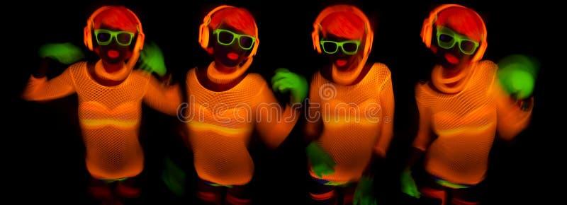 Seksowny neonowy ultrafioletowy jarzeniowy tancerz obraz royalty free