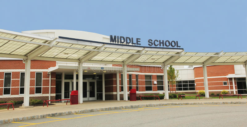 Sekundarschulegebäude stockbild