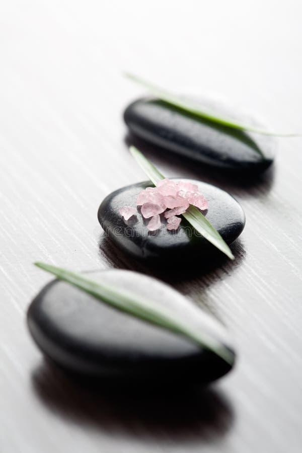 Sel de bain rose images libres de droits