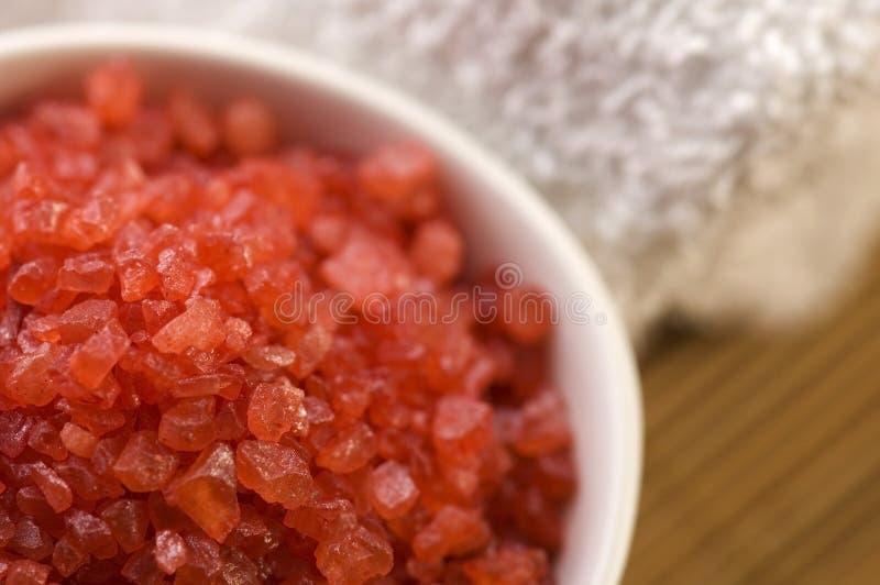 Sel et essuie-main de Bath. rouge et blanc photo libre de droits