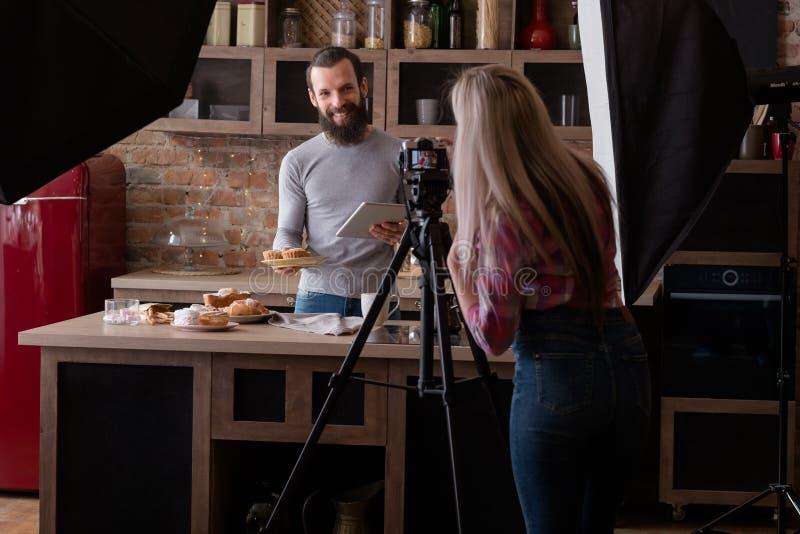Selbst gemachte Bäckerei, die Blogbühne hinter dem vorhang-Fotografie kocht stockfotografie
