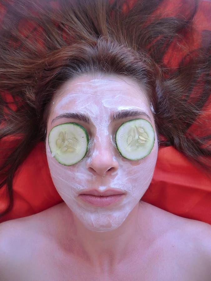 Selbst gemachte Gesichtsbehandlung maskiert Schönheit, Badekur, machen stockbild