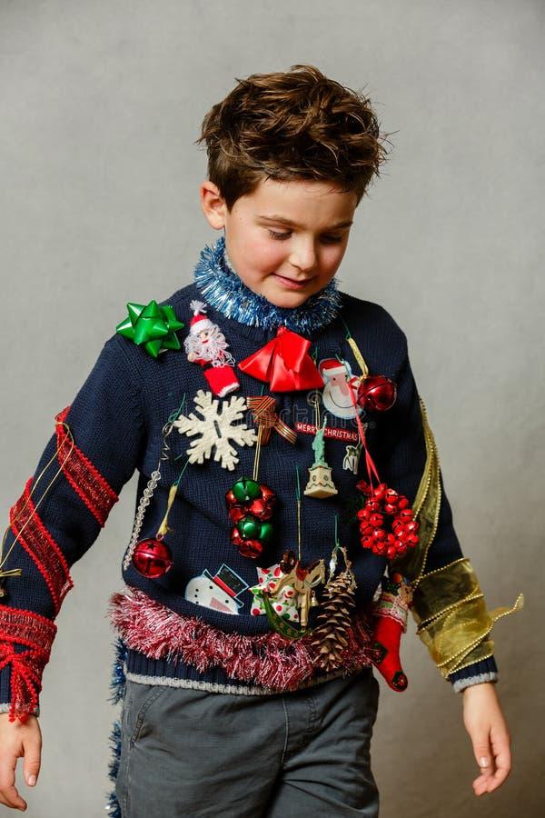Selbst gemachte hässliche Weihnachtsstrickjacke lizenzfreies stockbild
