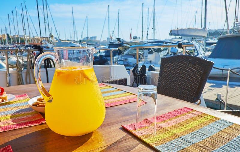selbst gemachte orange Limonade, Valletta lizenzfreie stockfotografie