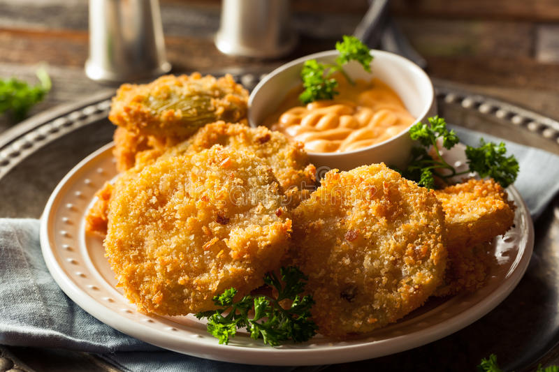 Selbst gemachter Fried Green Tomatoes stockfotos