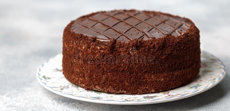 Selbst gemachter köstlicher Schokoladenkuchen Geschmackvolle Festlichkeit im Tee oder im Kaffee Nachtisch für Feinschmecker Selek lizenzfreie stockfotografie
