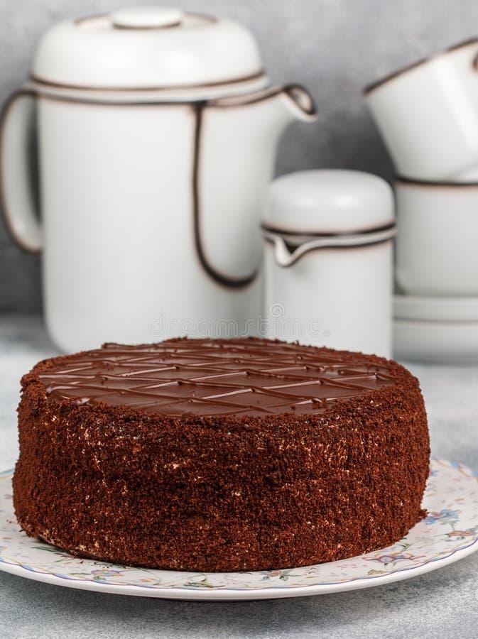 Selbst gemachter köstlicher Schokoladenkuchen Nachtisch für Feinschmecker stockfotografie