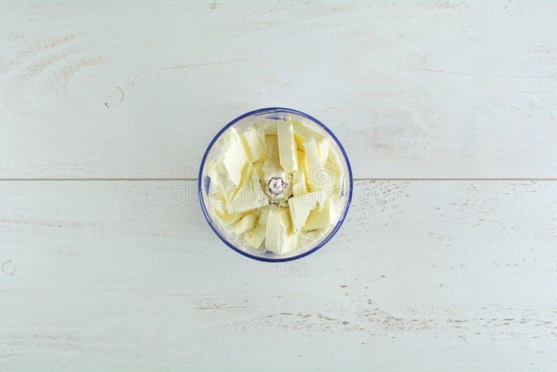 Selbst gemachter Kürbiskuchen des strengen Vegetariers - ein Satz Fotos, die den abschließenden Teller sowie die Rezeptvorbereitu lizenzfreies stockbild
