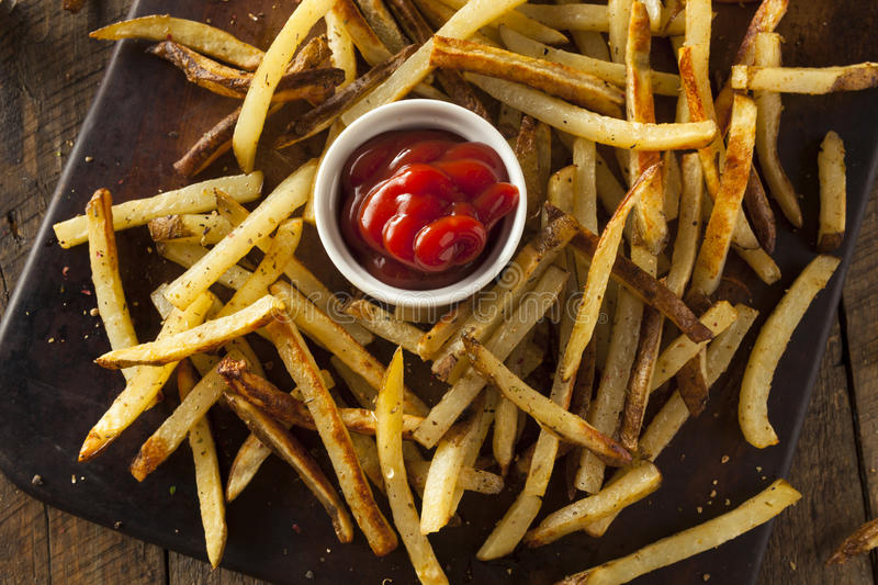 Selbst gemachter Oven Baked French Fries stockfotografie