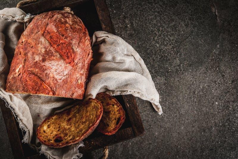 Selbst gemachtes Brot der roten Rübe lizenzfreie stockfotografie