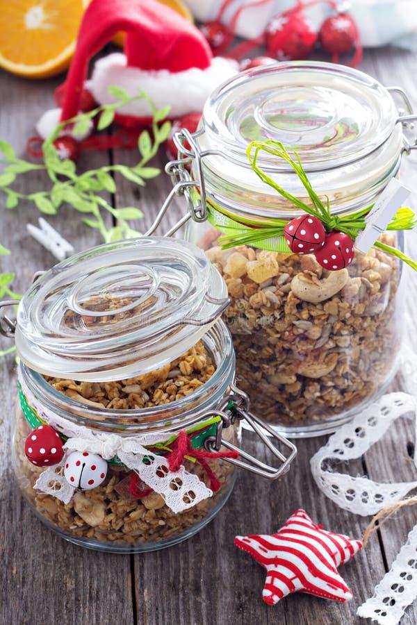Selbst gemachtes Granola als Geschenk lizenzfreies stockfoto
