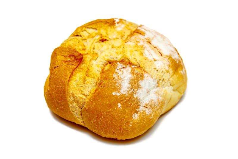 Selbst gemachtes rundes Brot vom Weizenmehl, lokalisiert stockbild