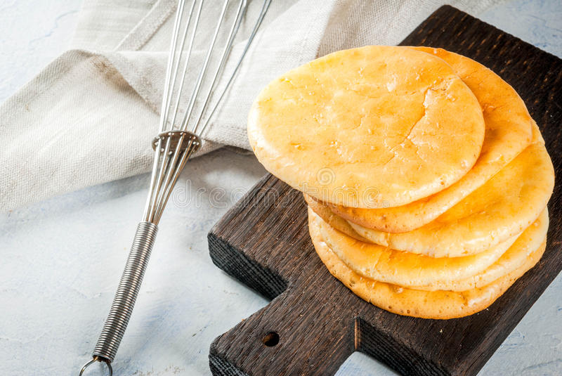 Selbst gemachtes Tortillawolkenbrot stockbild