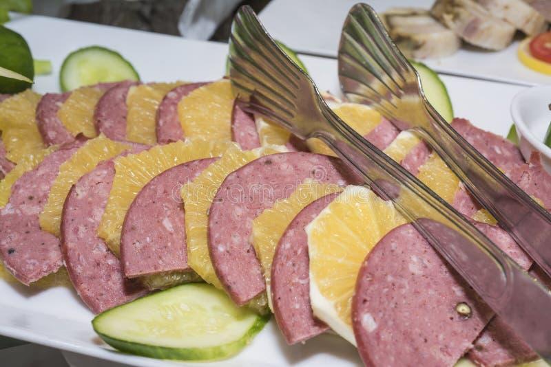 Selction van het koude voedsel van de vleessalade bij een restaurantbuffet royalty-vrije stock fotografie