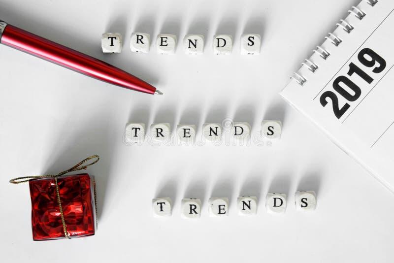 Seleção das tendências para presentes em 2019 Tendências - 2019 fotografia de stock