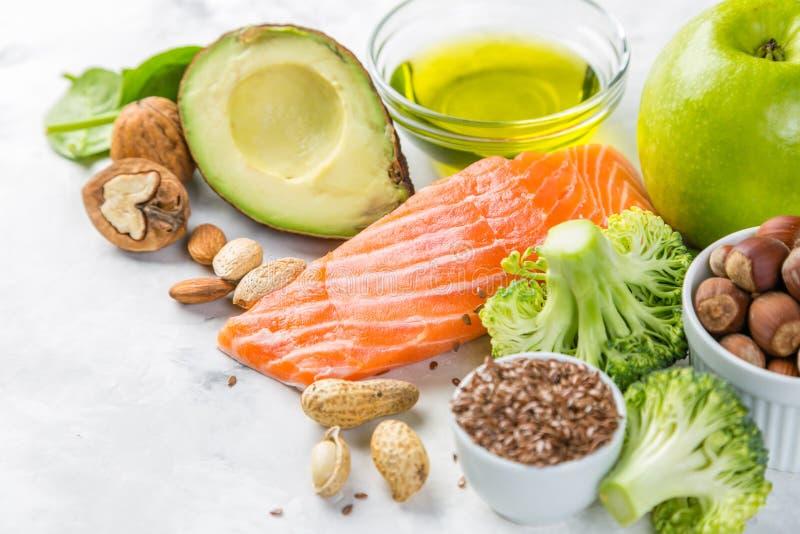 Seleção de fontes saudáveis do alimento - conceito saudável comer Conceito Ketogenic da dieta fotografia de stock royalty free