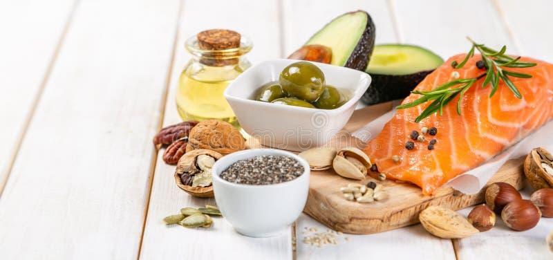 Seleção de gorduras não saturadas saudáveis, ômega 3 imagens de stock royalty free