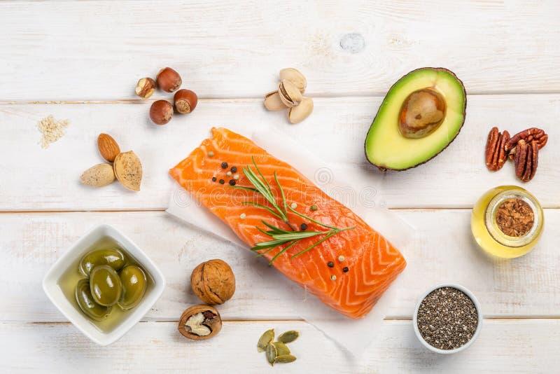 Seleção de gorduras não saturadas saudáveis, ômega 3 imagem de stock