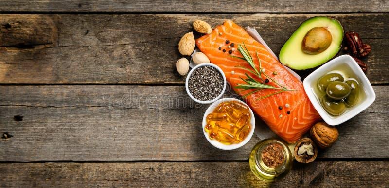 Seleção de gorduras não saturadas saudáveis, ômega 3 foto de stock royalty free