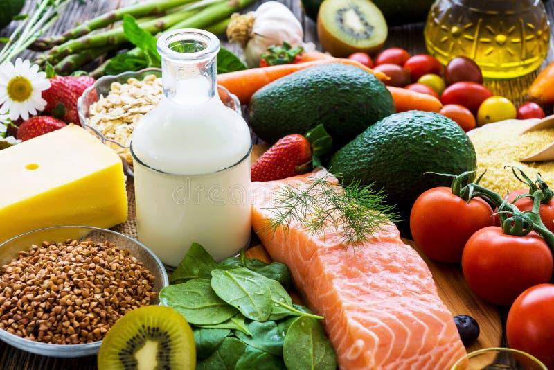 Seleção do alimento saudável imagens de stock royalty free