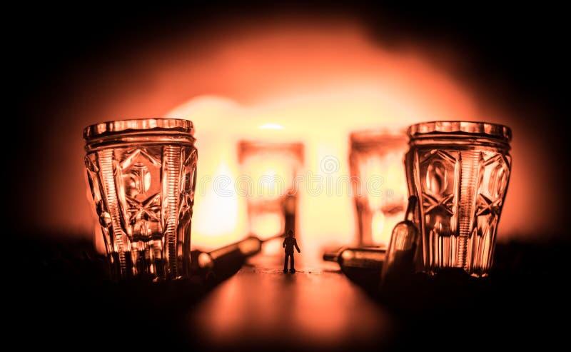 Sele??o de bebidas alco?licas no fundo de madeira r?stico Decora??o criativa da arte finala fotografia de stock