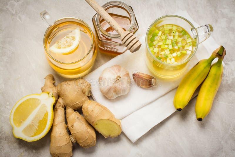 Selección de comida contra gripe foto de archivo libre de regalías