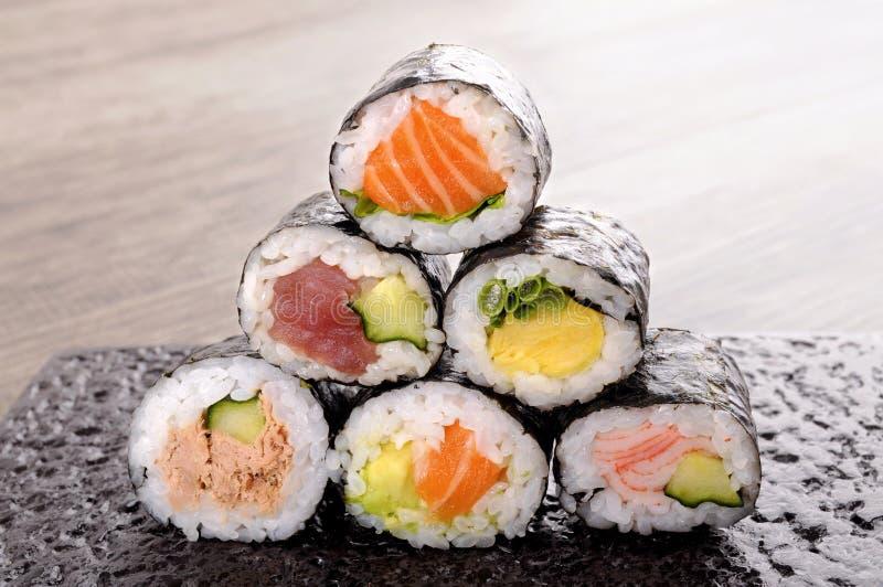 Selección de mini rollo de sushi fotografía de archivo libre de regalías