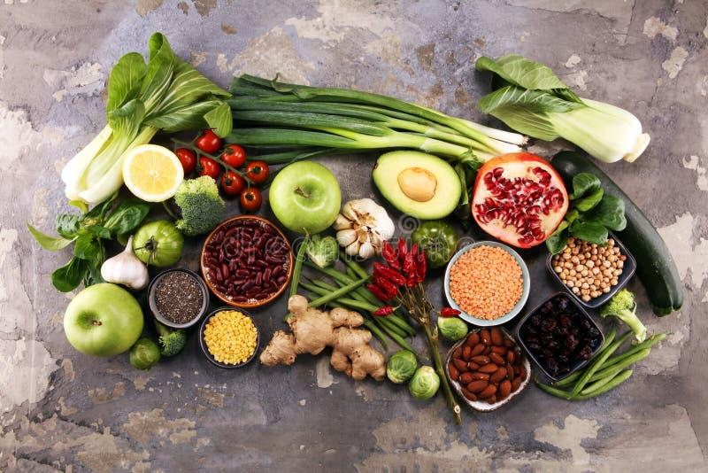 Selección limpia de la consumición de la comida sana E fotos de archivo