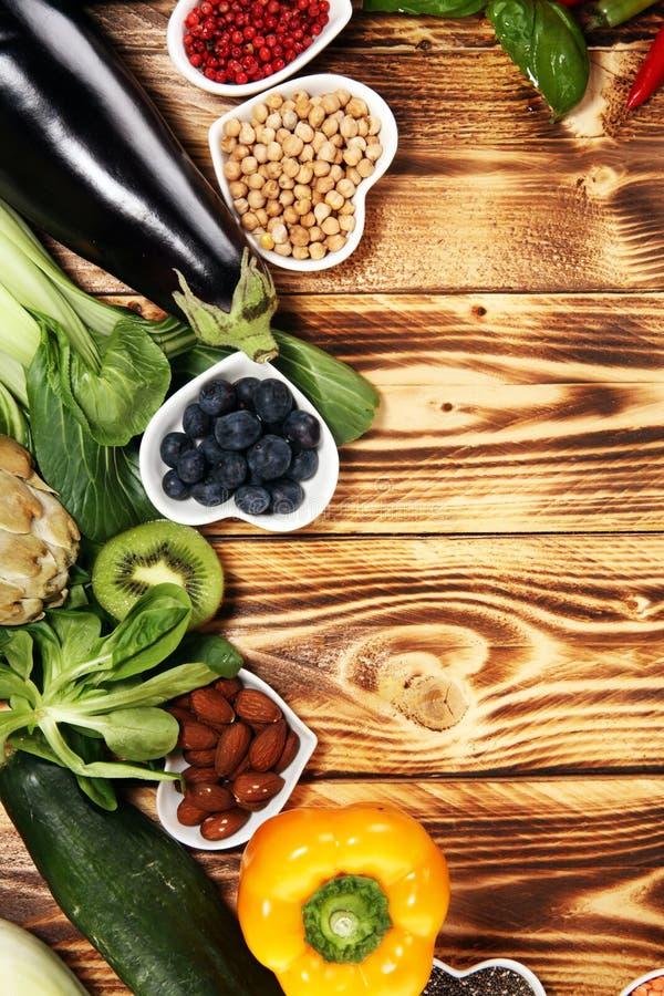 Selección limpia de la consumición de la comida sana E imágenes de archivo libres de regalías