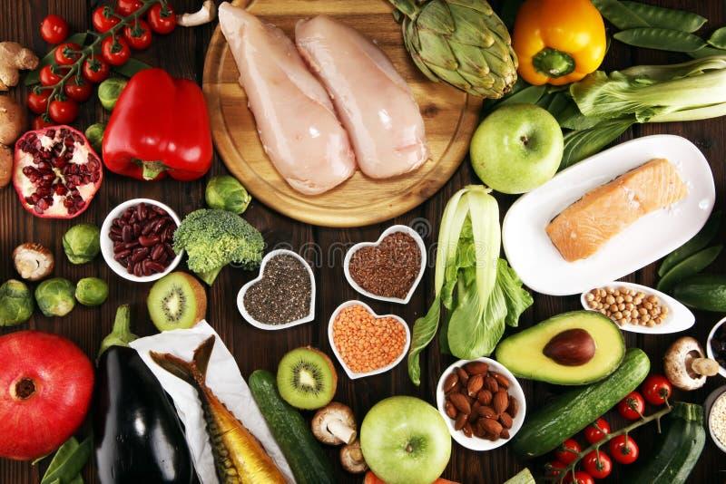 Selecci?n limpia de la consumici?n de la comida sana E imagenes de archivo