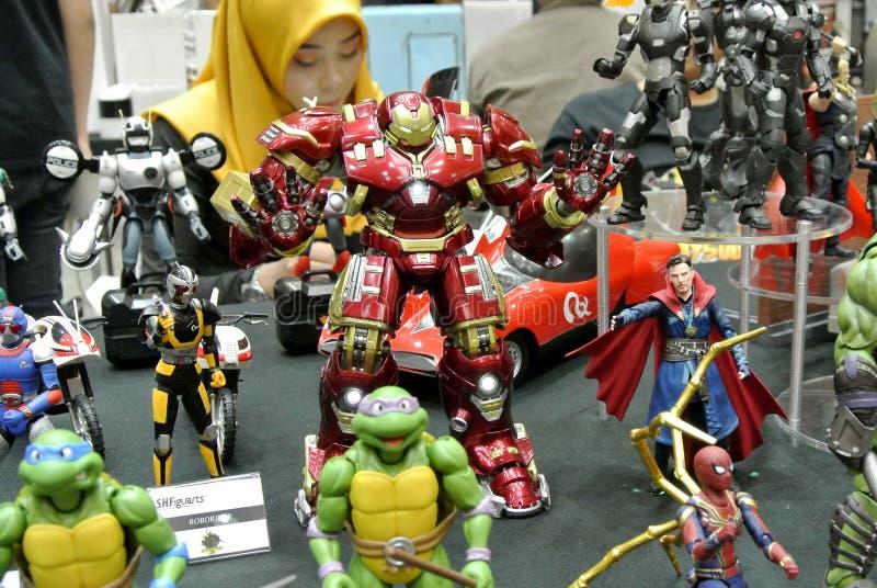 Seleccionado se enfocó de figura de acción del carácter de IRON MAN de los tebeos y de las películas de Iron Man de la maravilla imágenes de archivo libres de regalías