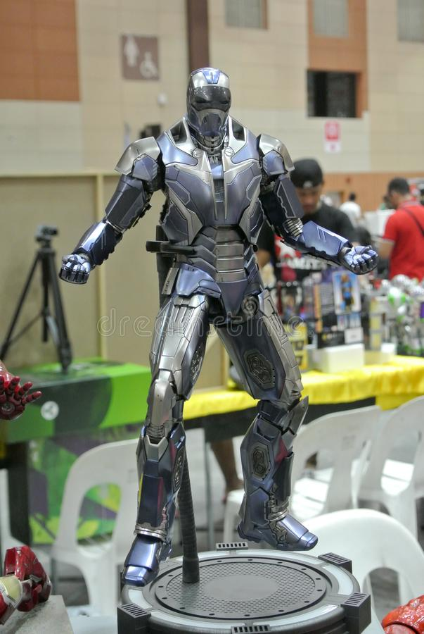 Selected fokuserade av det IRON MAN teckenet, handling somdiagramet från förundra sig Iron Man komiker och filmer arkivfoto