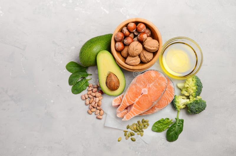 Selectie van gezond voedsel voor hart, het levensconcept stock foto's