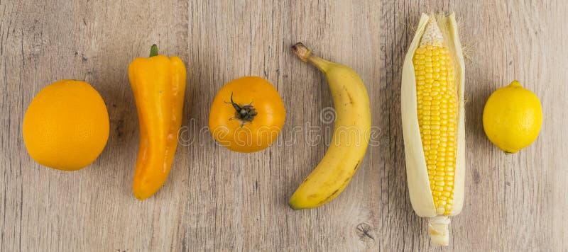 Selectie van oranje en geel fruit royalty-vrije stock afbeeldingen