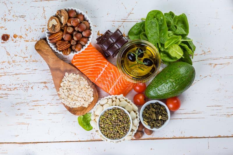 Selectie van voedingsvoedsel - hart, cholesterol, diabetes stock foto