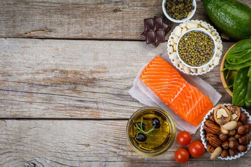 Selectie van voedingsvoedsel - hart, cholesterol, diabetes stock fotografie