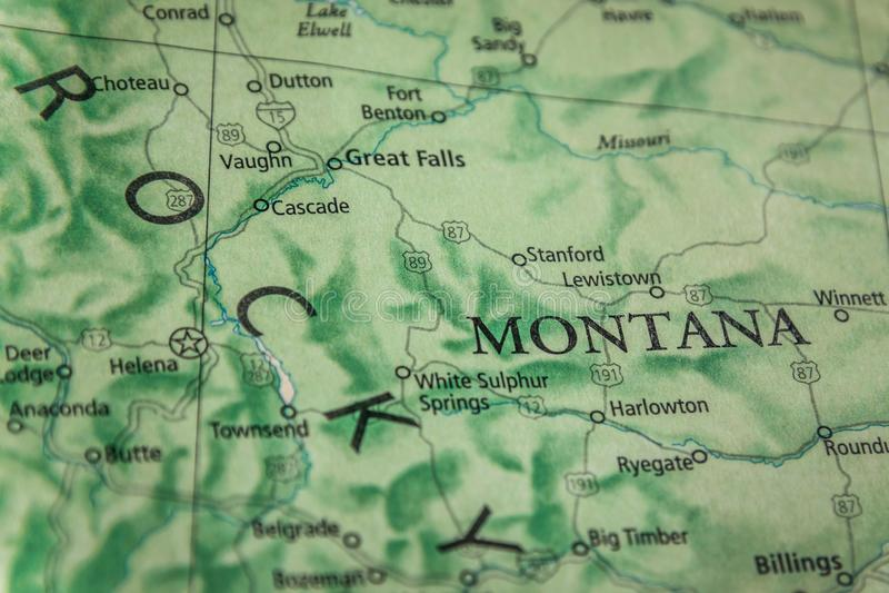 Selectieve focus van de staat Montana op een geografische en politieke staatslaag van de VS stock afbeelding