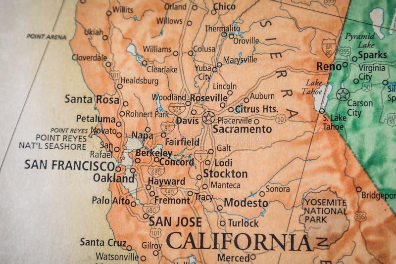 Selectieve focus van Noord-Californië San Francisco op een geografische en politieke staatskaart van de VS royalty-vrije stock fotografie
