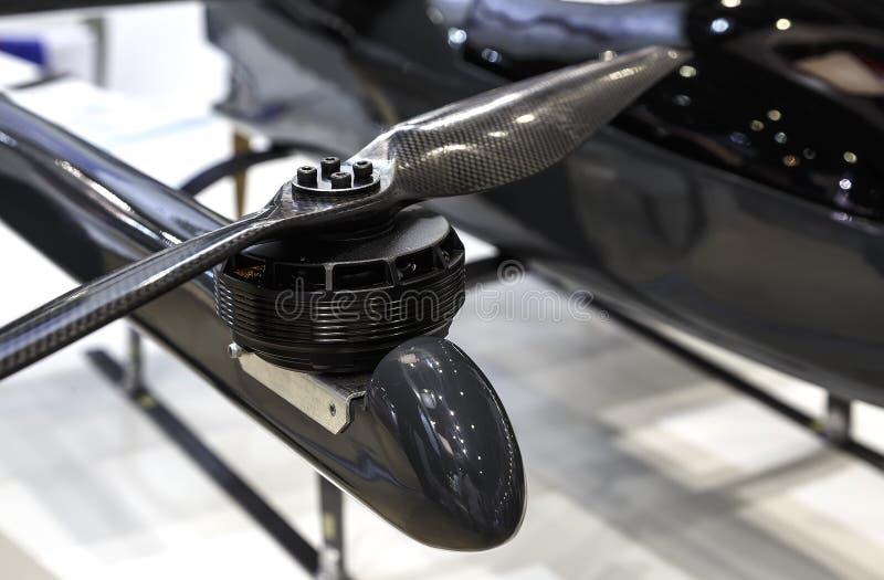 Selectieve nadruk op zwarte UAV van de hommelpropeller rotor stock foto