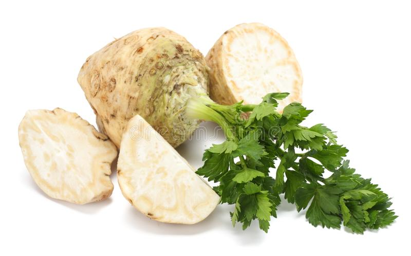 Selerowy korzeń z liściem odizolowywającym na białym tle odosobniony seleru biel zdrowa żywność zdjęcia royalty free