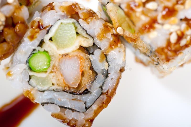 Download Selezione Choice Dell'assortimento Di Miscuglio Dei Sushi Freschi Immagine Stock - Immagine di riso, ristorante: 55360173