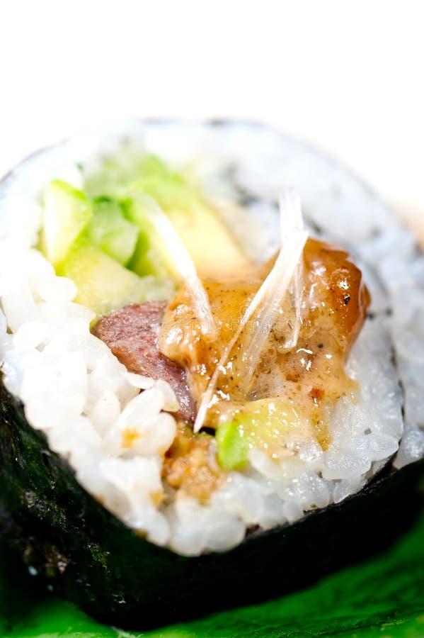 Download Selezione Choice Dell'assortimento Di Miscuglio Dei Sushi Freschi Immagine Stock - Immagine di verde, pesci: 55360327