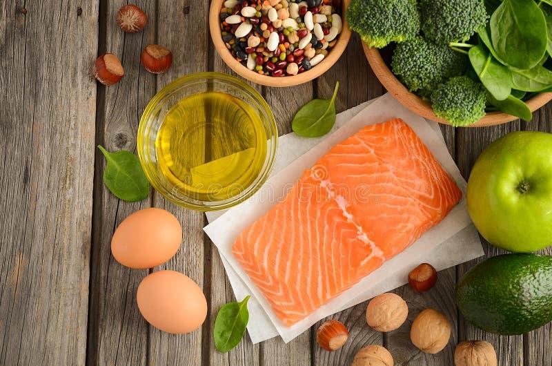 Selezione dei prodotti sani Concetto di dieta equilibrata fotografia stock libera da diritti